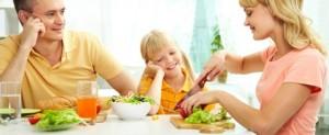 Comiendo-en-familia-610x250